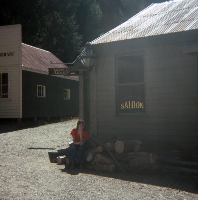 Diane - Saloon