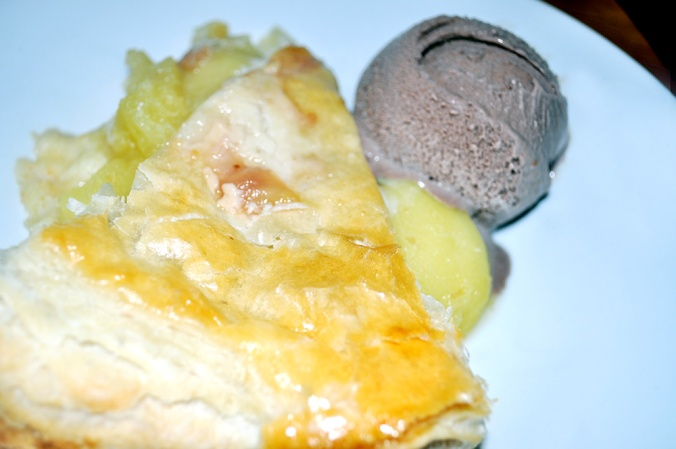 The-Green-Pea-The-Mayfairy-Apple-Pie