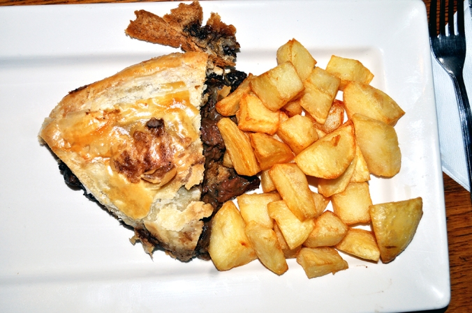 The-Green-Pea-The-Mayfairy-Steak-Guinness-Pie2