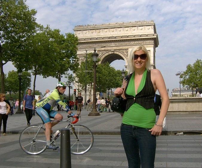 Me, the Arc de Triomphe and a guy who loves his skin tight lycra.