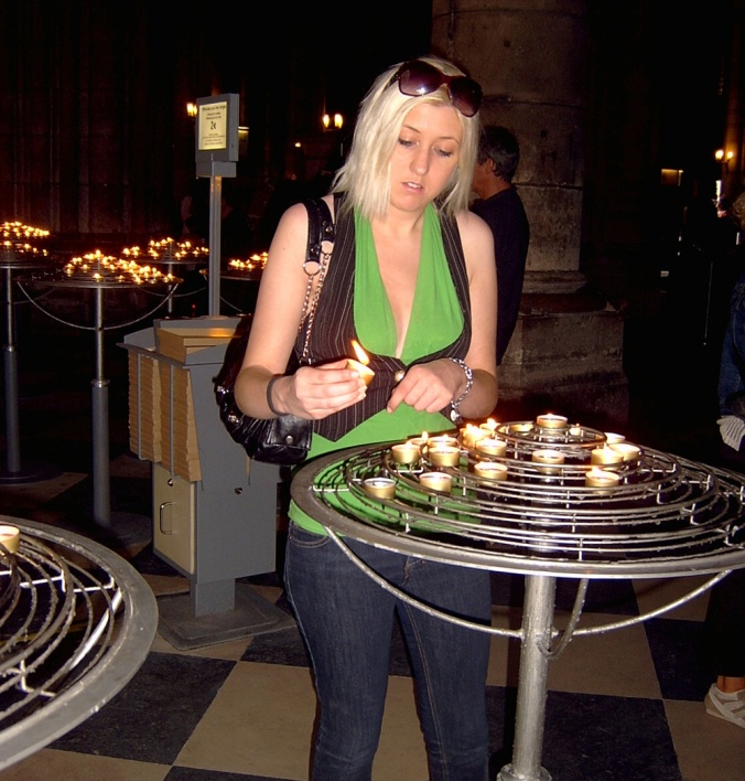 TheMayfairy-Paris, Notre Dame Frankie-Candles