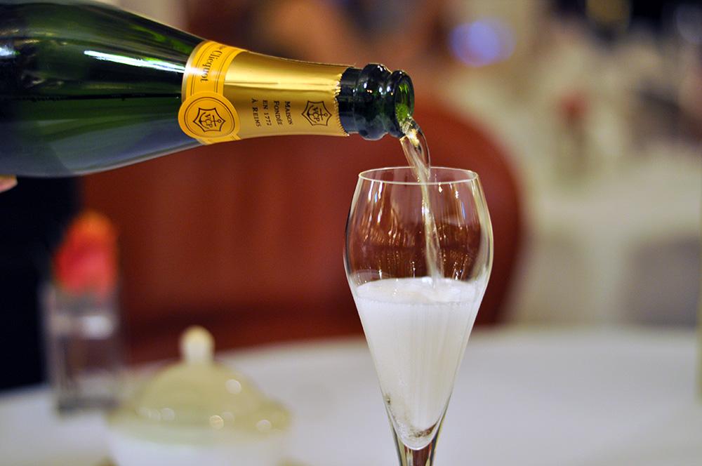 The-Mayfairy-Oscar-Wilde-Bar-Hotel-Cafe-Royal-Champagne-1