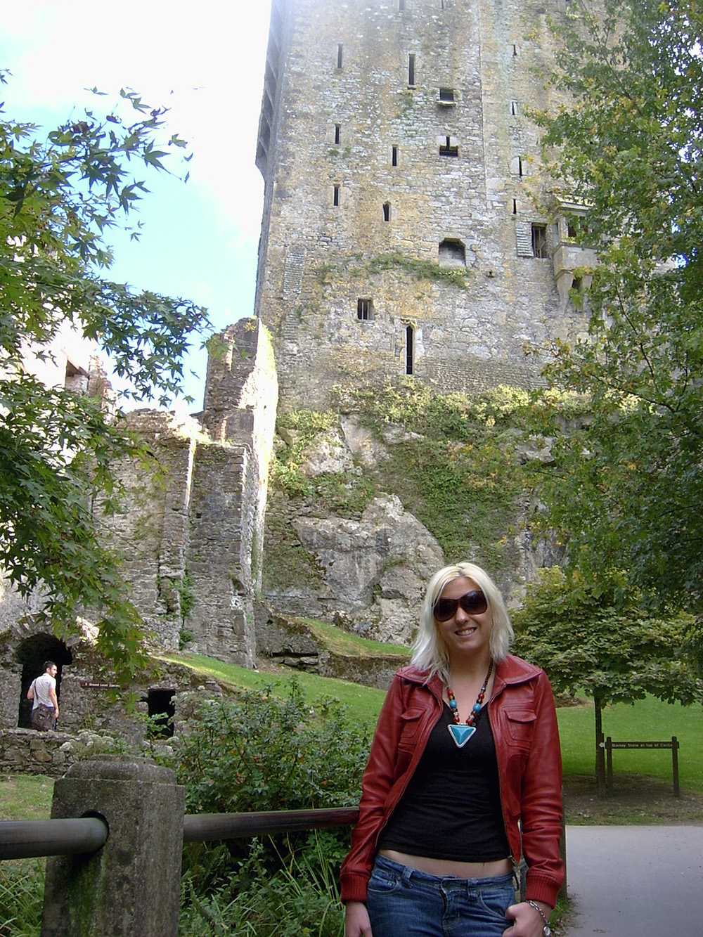 The_Mayfairy-Blarney-Castle-Frankie